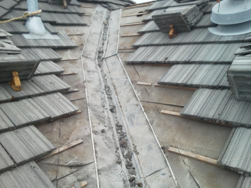 relining a roof valley